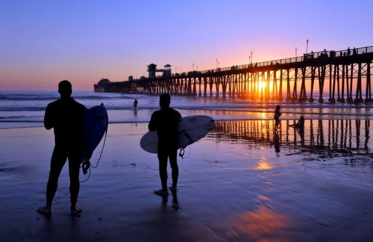 bigstock-Surfers-watch-an-Oceanside-Cal-28918916-Large-1000x650